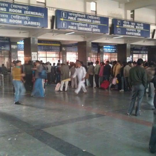 Photo taken at New Delhi Railway Station (NDLS) by Varun S. on 2/12/2012