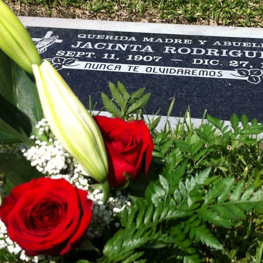 Photo taken at Oakdale Memorial Park and Mortuary by Veronica O. on 5/10/2012