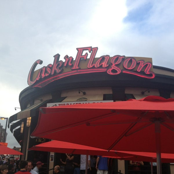 Photo taken at Cask 'n Flagon by Amy A. on 7/23/2013