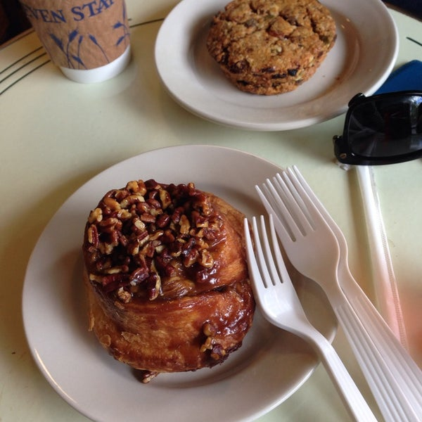 Photo taken at Seven Stars Bakery by YOOHEE on 5/18/2014