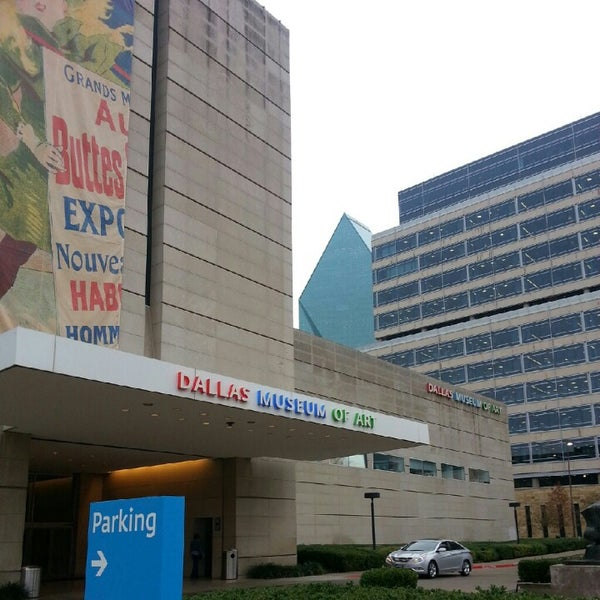 Photo taken at Dallas Museum of Art by Jim D. on 12/14/2012