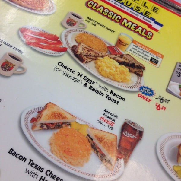 Photo taken at Waffle House by Danyel S. on 4/23/2014