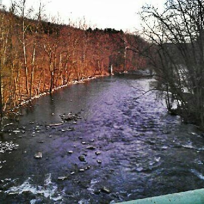 Photo taken at Croton Gorge Park by Milton on 4/8/2013