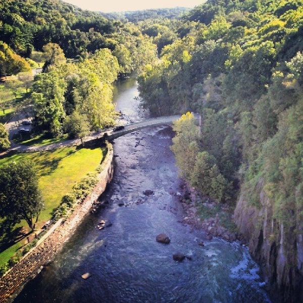 Photo taken at Croton Gorge Park by Milton on 9/24/2012
