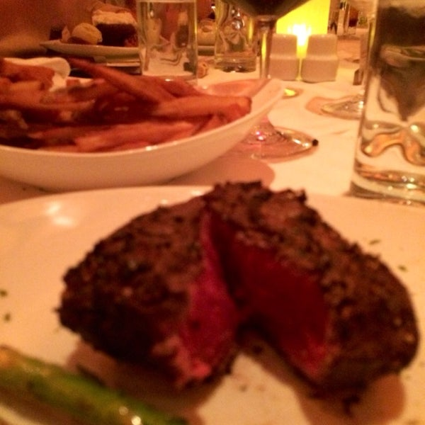Photo taken at Fleming's Prime Steakhouse & Wine Bar by P Pam P. on 2/13/2014