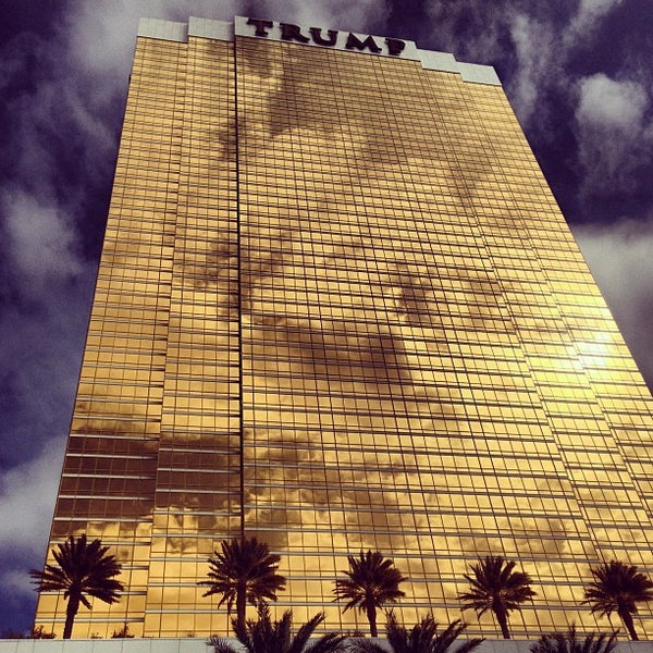Photo taken at Trump International Hotel Las Vegas by Sergey P. on 3/9/2013