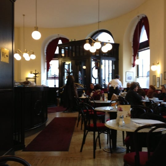 Photo taken at Cafe-Restaurant Griensteidl by Jean-Paul S. on 11/12/2012