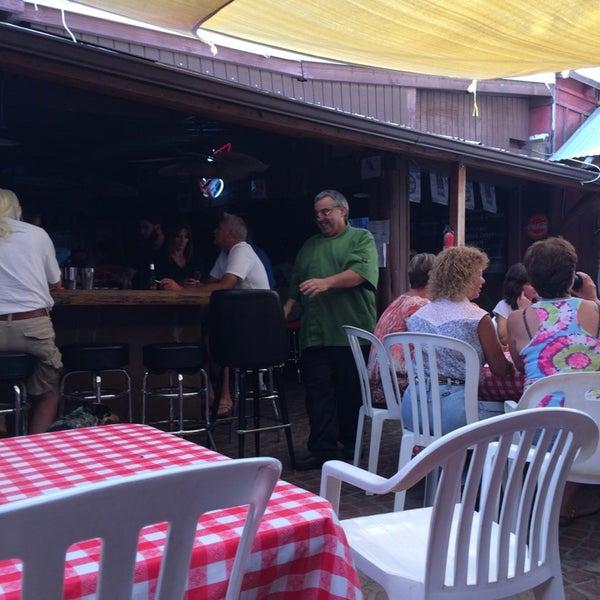 Photo taken at Cave Creek Smokehouse & Pour House Patio by Yxes 💋🌻💃🏽 ☕. on 7/13/2014