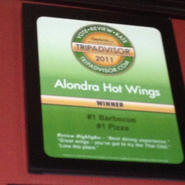 Photo taken at Alondra Hot Wings by Azniv K. on 4/3/2013