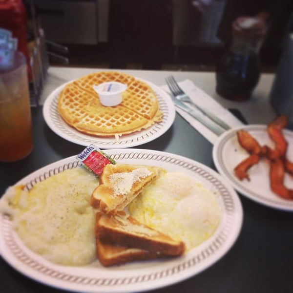 Photo taken at Waffle House by Dave T. on 6/8/2013
