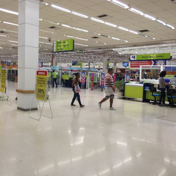 Photo taken at Carrefour by Gui M. on 5/10/2016