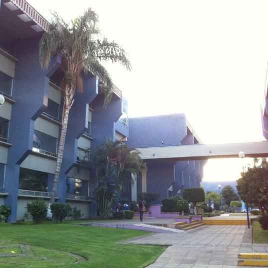 Photo taken at Universidad del Valle de Atemajac (UNIVA) by Arle V. on 10/17/2012