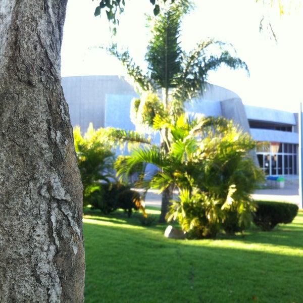 Photo taken at Universidad del Valle de Atemajac (UNIVA) by Arle V. on 2/27/2013