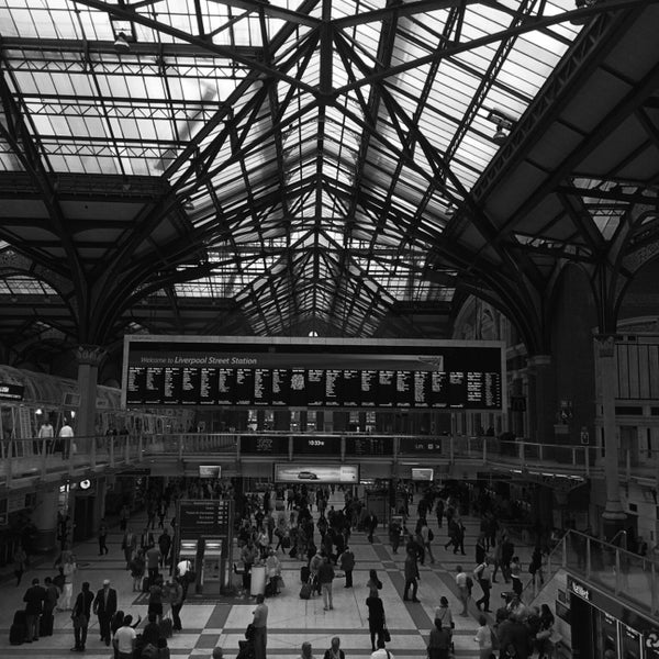 Photo taken at London Liverpool Street Railway Station (LST) by Carlos R. on 7/10/2014