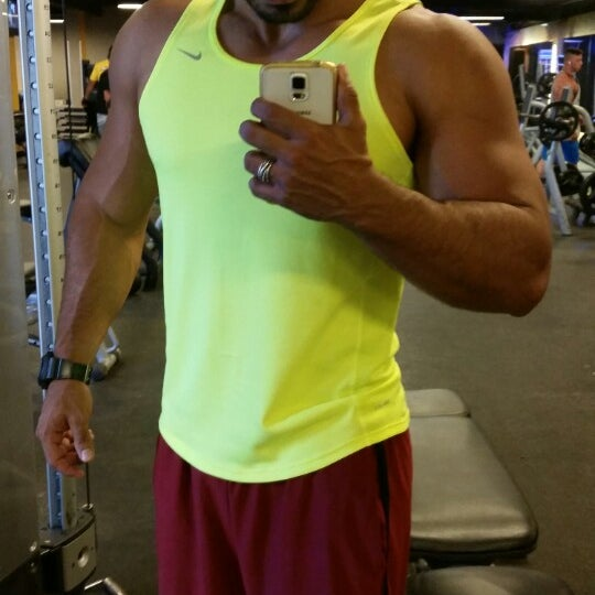 Photo taken at Academia Smart Fit by Lucas F. on 2/15/2015