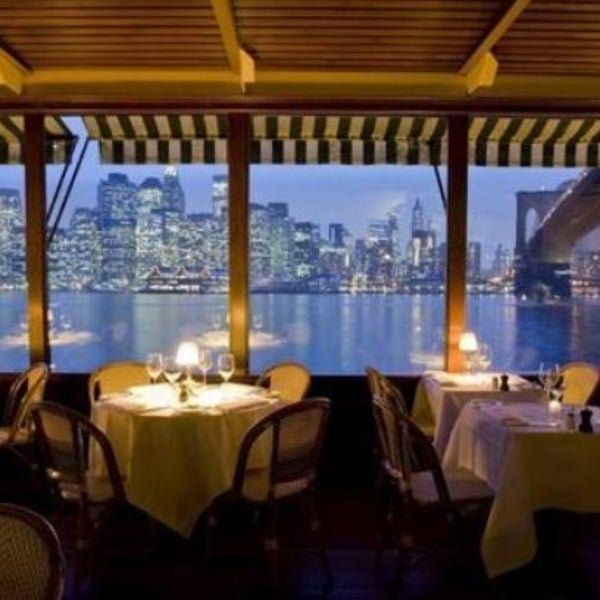 The most romantic restaurants in new york for Best romantic restaurants nyc