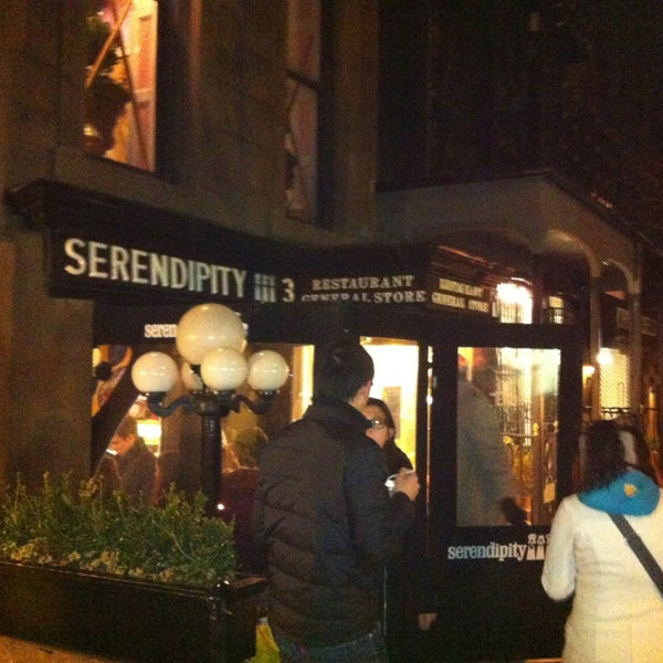 Photo taken at SERENDIPITY 3 by Robert C. on 3/28/2013
