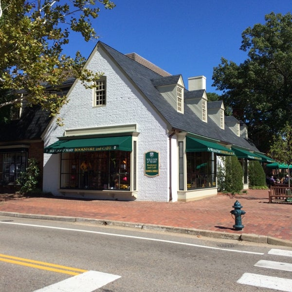 Photo taken at College of William & Mary Bookstore by Chuck N. on 10/6/2014