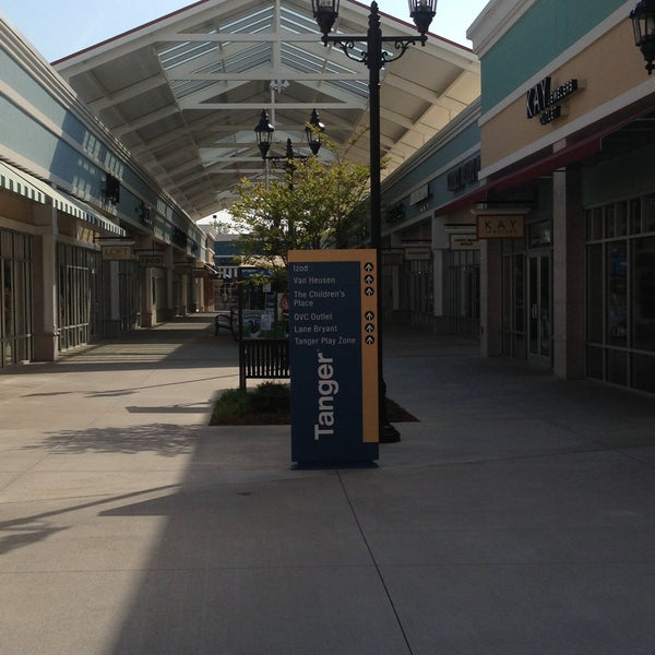 Photo taken at Mebane Tanger Outlets by Chuck N. on 4/27/2013