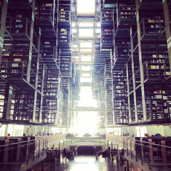 Photo taken at Biblioteca Vasconcelos by Jonas N. on 3/6/2014