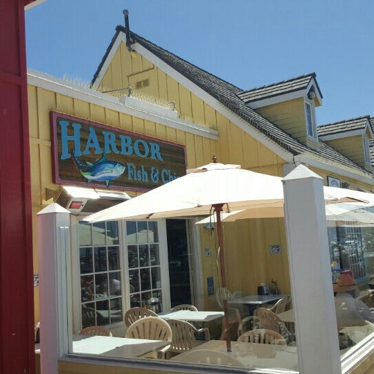 Photo taken at Harbor Fish and Chips by Raymond R. on 7/27/2015