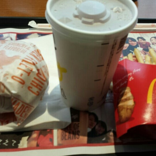 Photo taken at McDonald's by まいたけ on 8/17/2015