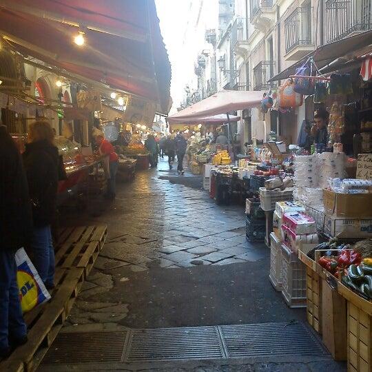 La pescheria fish market in centro catania for La fish market