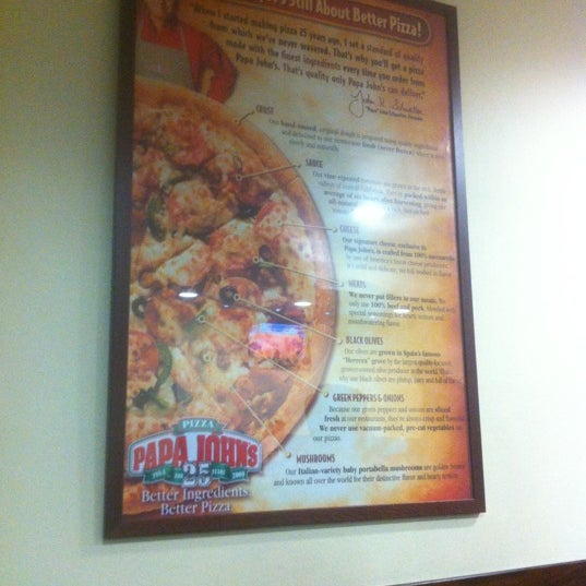 Photo taken at Papa John's by Rodrigo Z. on 12/13/2012