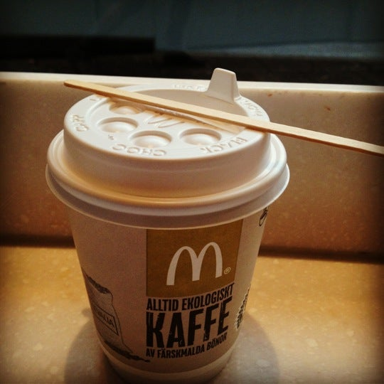 Photo taken at McDonald's by Artyom L. on 11/24/2012