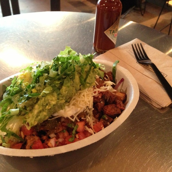 Photo taken at Chipotle Mexican Grill by Soyeun P. on 2/2/2013