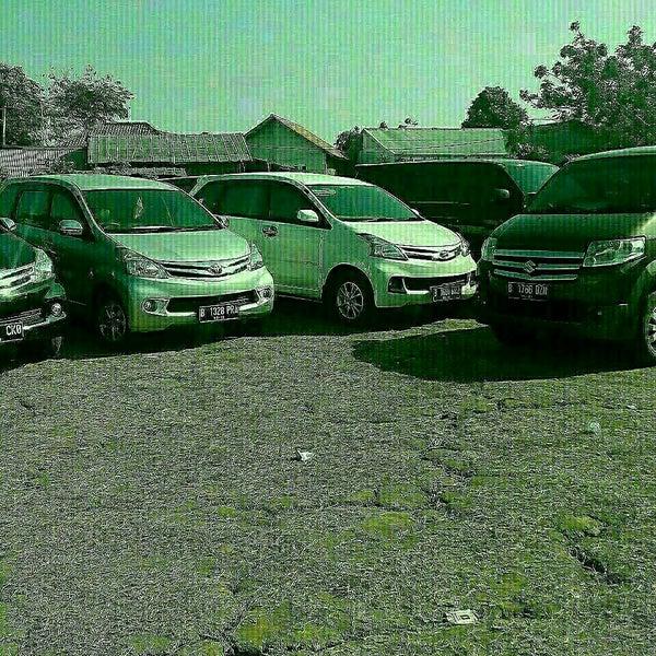 Photo taken at Sari Pan Pacific Jakarta by yes rental mobil plus driver 082112129173 b. on 9/10/2015