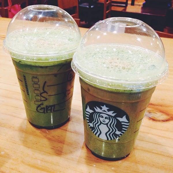 Photo taken at Starbucks by Lee Sangmi on 1/30/2014