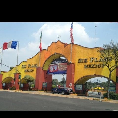 Photo taken at Six Flags México by Julian (bull) on 9/16/2012