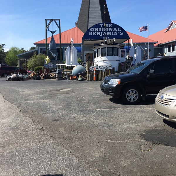 Photo taken at The Original Benjamin's Calabash Seafood by Michelle M. on 3/30/2016