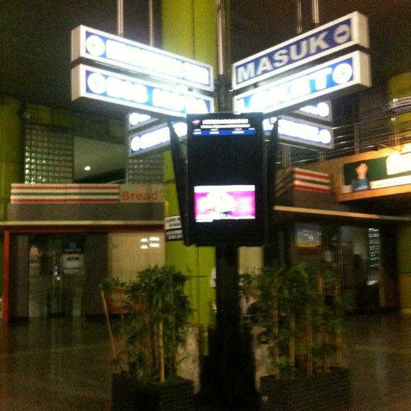 Photo taken at Stasiun Gambir by Abd M. on 1/15/2013