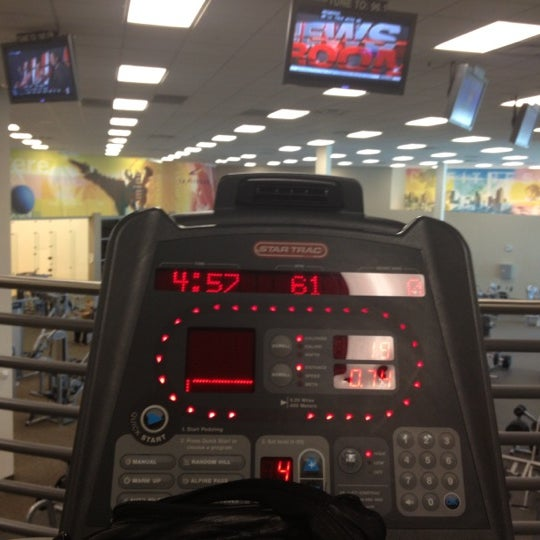 Photo taken at LA Fitness by Moor  Of Dundee L. on 12/16/2012