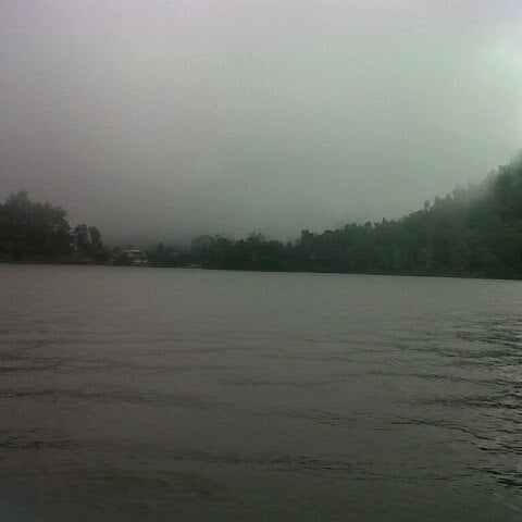 Photo taken at Telaga Sarangan by Yeni L. on 2/15/2013