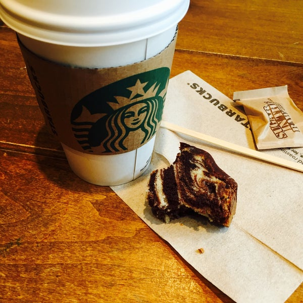 Photo taken at Starbucks by Arzu S. on 4/7/2016