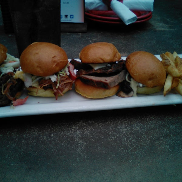 Santa Maria BBQ Sliders were  ok. (3 out of 5 stars)