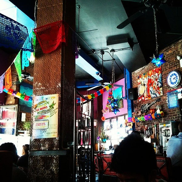Photo taken at Burrito Bar & Kitchen by Danton T. on 5/4/2013