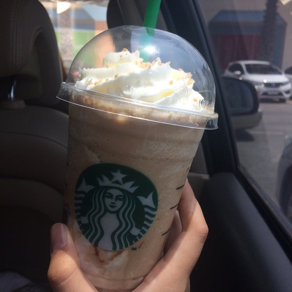 Photo taken at Starbucks by Earn✦ on 5/2/2016