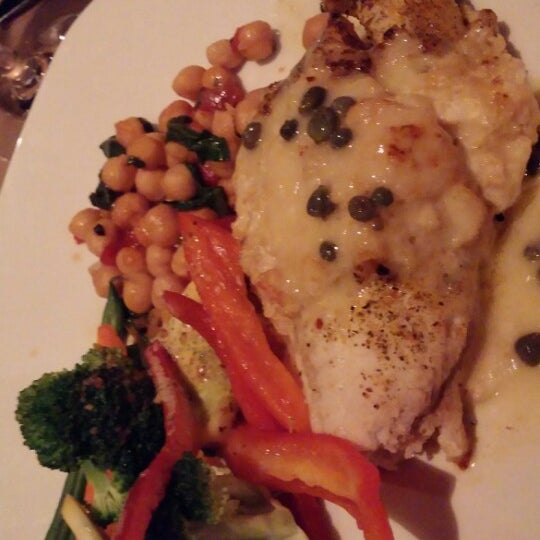 Photo taken at Bonefish Grill by Cheryl L. on 3/30/2014