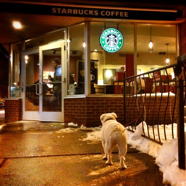 Photo taken at Starbucks by Danny L. on 12/29/2012
