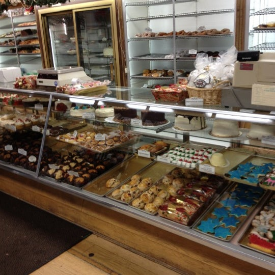 Mcmillan S Bakery Cakes