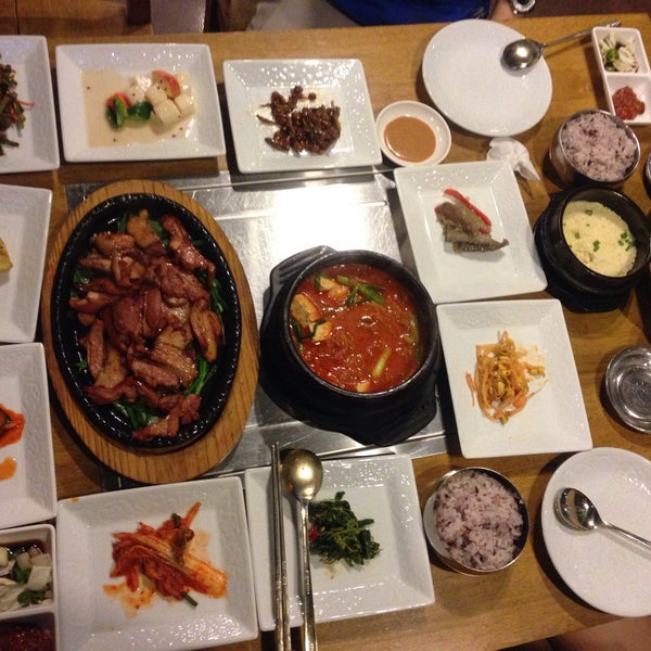 The best kimchi jiggae I've tried so far! Very nice banchan