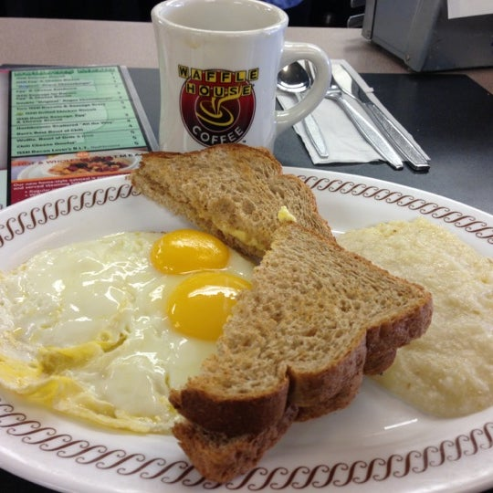 Photo taken at Waffle House by Rasmus on 10/31/2012