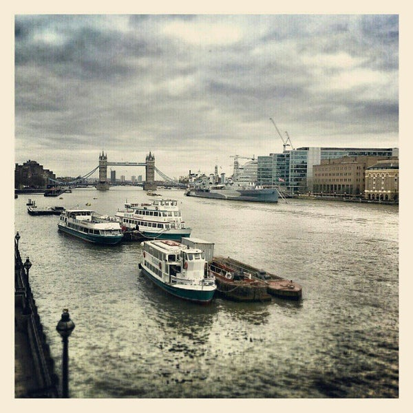 Photo taken at London Bridge by Pedro S. on 3/1/2013