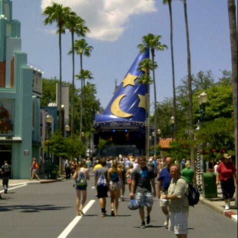 Photo taken at Disney's Hollywood Studios by Alex J. on 5/24/2013