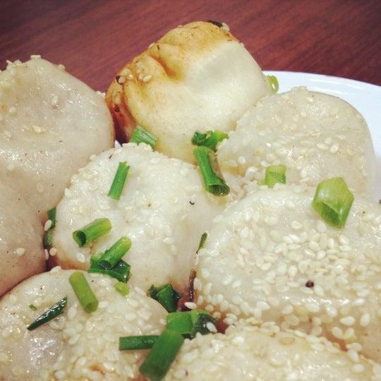 Photo taken at 芮欧美食广场 | Réel Kitchen by Carmen L. on 10/4/2012