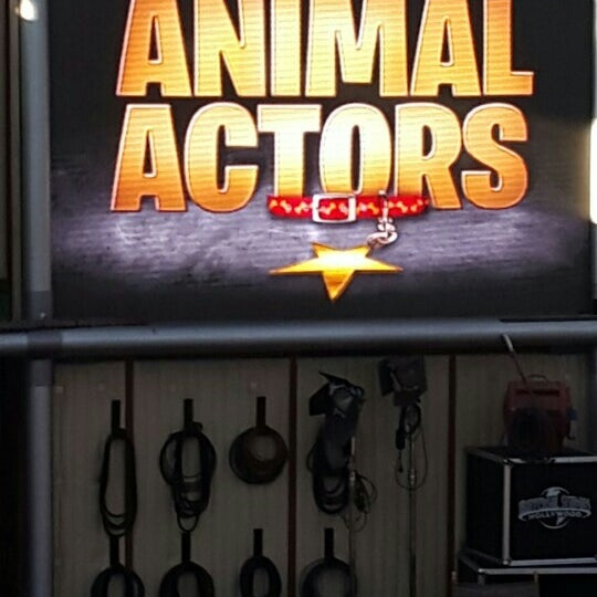 Photo taken at Universal's Animal Actors by Derya A. on 10/16/2015